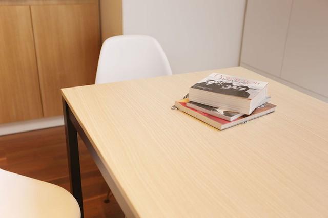 Nơi đây cũng là góc đọc sách và thư giãn khi cần thiết của chủ nhà.