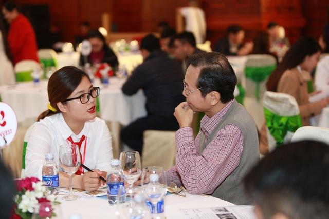 Chính sách hỗ trợ vay vốn đến 90% giá trị căn hộ và cam kết bảo lãnh của SHB đã thu hút đông đảo sự quan tâm của khách hàng tại sự kiện.