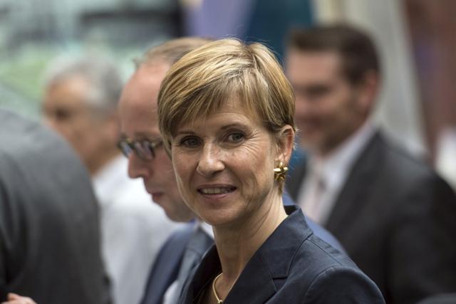 Susanne Klatten sinh năm 1962 và mang quốc tịch Đức. Người phụ nữ giàu nhất nước Đức sở hữu tài sản 17,4 tỷ USD trong cổ phần BMW từ người cha quá cố. Ngoài ra, bà còn sở hữu nhiều thương hiệu danh tiếng khác ở Đức. Tài sản của Klatten tương đương 0,024% GDP toàn cầu.