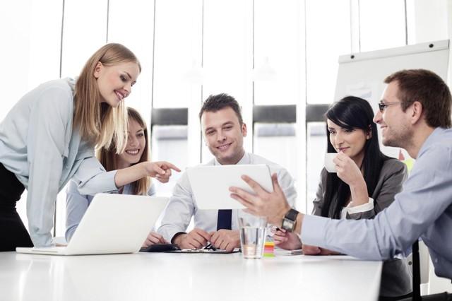Chế độ nghỉ ngơi hợp lý và tư duy tích cực sẽ giúp bạn luôn cảm thấy yêu thích công việc hiện tại.