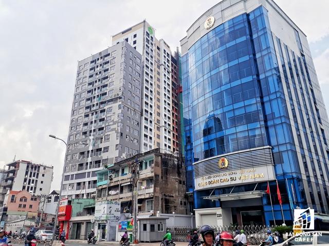 Cụm dự án của Novaland tại đường Trương Quốc Dung, Phú Nhuận. Trong đó, dự án Kingston ở đường Hoàng Văn Thụ này đang hoàn thiện nội thất, chuẩn bị bàn giao cho khách hàng.