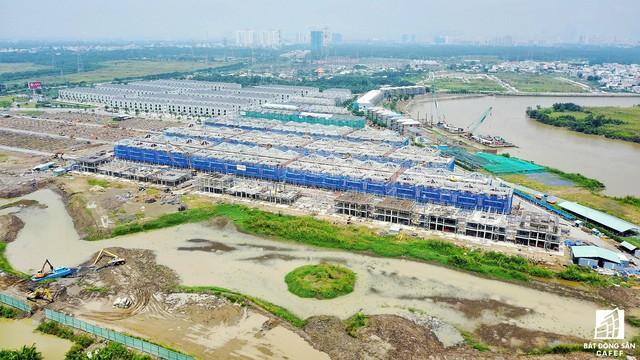 Dự án Lavila của Kiến Á nằm ở số 25, các con phố Nguyễn Hữu Thọ - 1 trong hai tuyến các con phố huyết mạch của khu Nam.