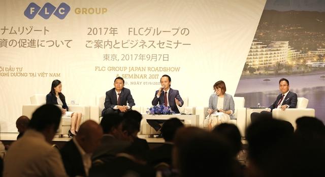 Nhiều câu hỏi về thủ tục đầu tư ở Việt Nam đã được 1 số nhà đầu tư chuyển đến cho Tập đoàn FLC và 1 số diễn giả khách mời.