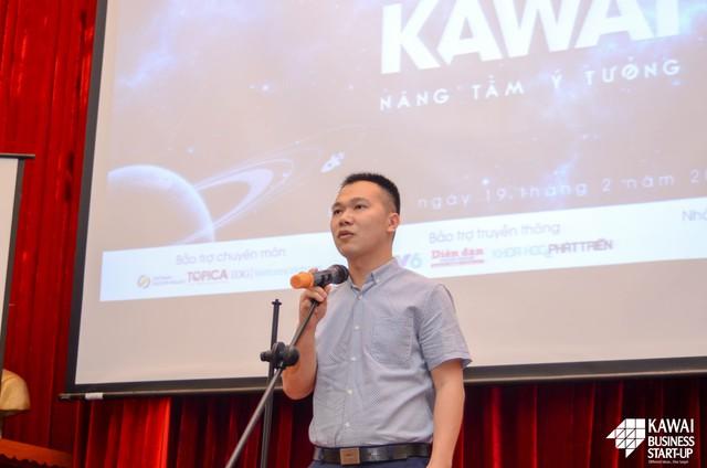 Thầy Hoàng Tuấn Dũng - Bí thư đoàn trường Đại học Ngoại Thương phát biểu mở đầu buổi Thuyết phục Nhà đầu tư