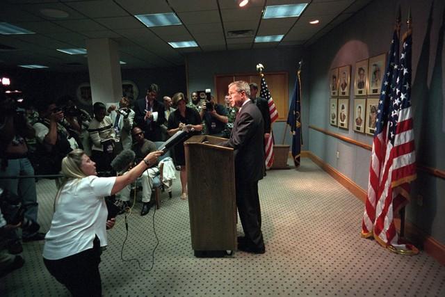 Bài phát biểu được đưa ra ngay trước khi Tổng thống Bush quay trở lại Căn cứ không quân Offutt ở Nebraska.