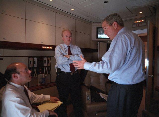 Sau đây, Tổng thống Bush tiếp tục lên Air Force để trở về Căn cứ Không quân Andrews. Các cuộc họp có cố vấn vẫn được áp dụng không ngừng nghỉ.