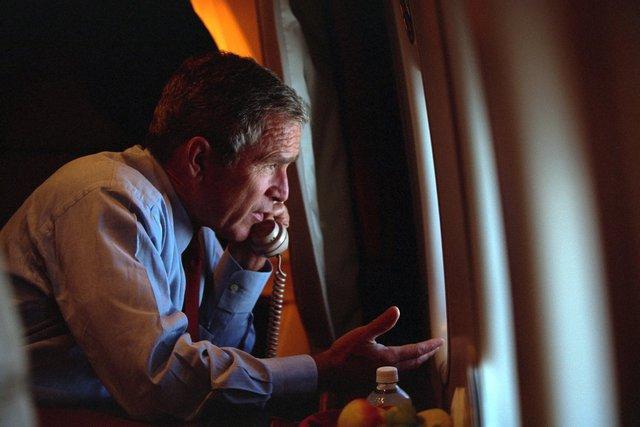 Cuộc tel giữa Tổng thống Bush và Phó tổng thống Dick Cheney.