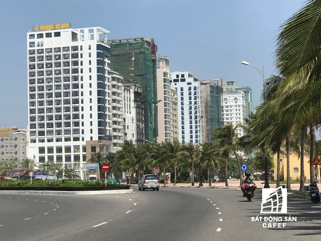 Đường Võ Nguyên Giáp đang được mệnh danh là con đường tỷ đô, bơi nơi đây tập trung hơn 70 khách sạn cao cấp đã và đang chuẩn bị đi vào hoạt động