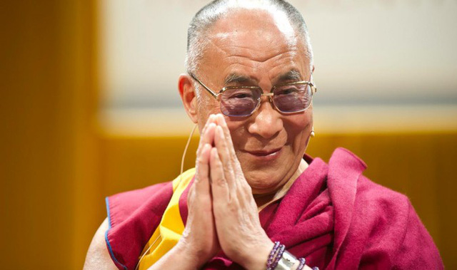 Đức Đạt Lai Lạt Ma tin rằng sự tự tin bắt nguồn từ chính tình yêu thương của con người trong cuộc sống.