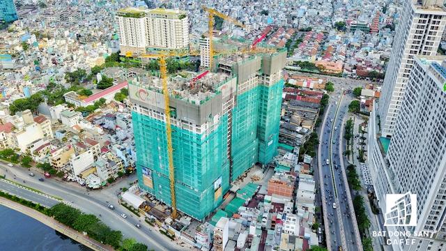 TP.HCM cũng đã lên kế hoạch đầu tư mở rộng các con đường kết nối với tuyến Nguyễn Tất Thành, như đường Tôn Đản, Hoàng Diệu