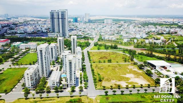 Nhiều dự án cao cấp bắt đầu có xu hướng dịch chuyển về phía cuối trục đường Nguyễn Văn Linh, gần cầu Phú Mỹ nhằm tận dụng lợi thế cạnh tranh khi dự án cầu Thủ Thiêm 4 được xây dựng, giúp kết nối cả quận 7 với khu trung tâm thành phố
