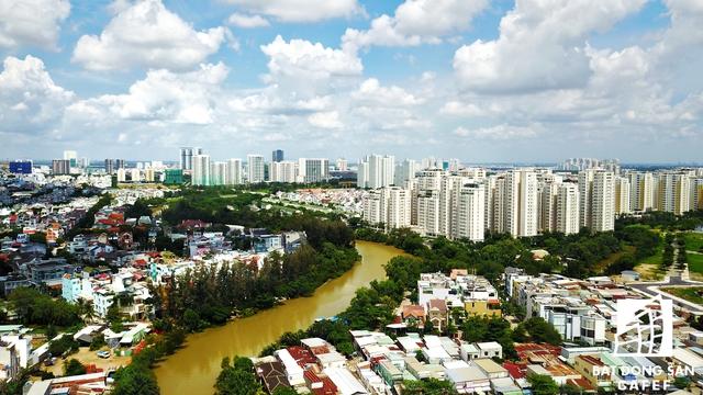 Theo khảo sát, các dự án tại khu Nam Sài Gòn như: River Panorama, D-Vela, Luxgarden... đều có thanh khoản tốt và các nhà đầu tư cá nhân là một yếu tố thúc đẩy lực cầu này trong những tháng đầu năm 2017.