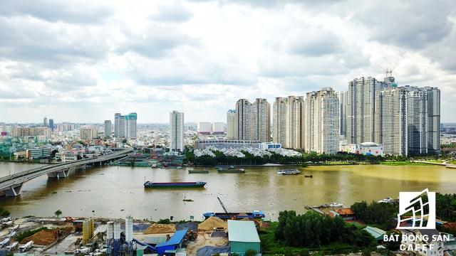 Khu vực có nhiều dự án cao cấp nhất TP.HCM đang được xây dựng. Trong tương lại sẽ có thêm một dự án tái định cư hơn 1.000 căn hộ ngay đầu cầu Thủ Thiêm 1.