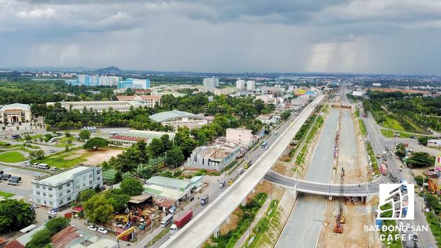 Dự án hầm chui thuộc nút giao ngay đại học quốc gia TP.HCM. Dự án kéo dài từ nga tư 621 đến trước khu du lịch Suối Tiên, kết nối đồng bộ với Khu Công nghệ cao TP.HCM