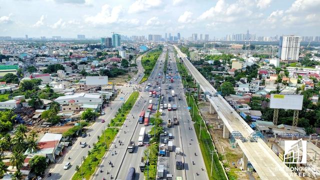 Dự kiến ngày 23/10 tới 1 vài nhà thầu sẽ áp dụng lắp các con phố ray đoạn Bình Thái đến nút giao Thủ Đức.
