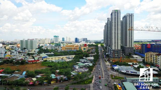Sunrise City tại trung tâm quận 7 là dự án đầu tiên đánh dấu bước chân Novaland trên thị trường địa ốc vào năm 2007