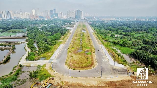 TP.HCM cũng vừa có quyết định đầu tư con đường kết nối từ Khu liên hợp thể thao Rạch Chiếc thẳng đến đại lộ Mai Chí Thọ và Xa lộ Hà Nội.