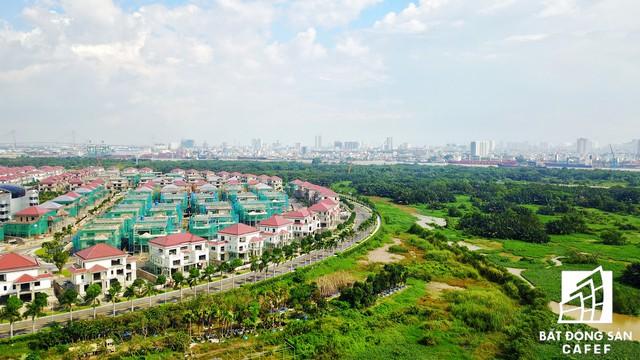 Dự án Biệt thự Saroma Villa nhìn hướng về trọng điểm thành phố, độc đáo ở đấy đang được đầu tư xây dựng khu công viên sinh thái rộng hơn 50ha.