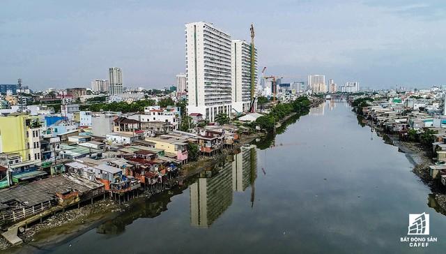 Dự án xanh Diamond Lotus Riverside do Phúc Khang Corp., làm chủ đầu tư tại một vị trí ven kênh thuộc quận 8.