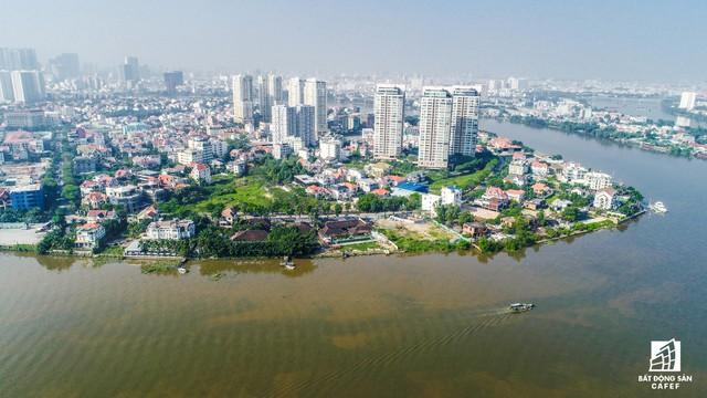Cùng với tuyến Metro đang hình thành, các hạng mục hạ tầng đã và đang triển khai tại Thảo Điền có thể kể đến như: Dự án xây dựng đường nối từ đường Nguyễn Văn Hưởng đến xa lộ Hà Nội.