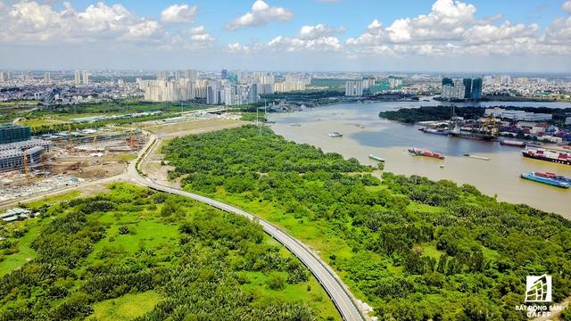 Cầu Thủ Thiêm 4 sẽ được bắt đầu từ cảng Tân Thuận (quận 7) nối vào đại lộ Mai Chí Thọ (quận 2). Song song đó, nhà đầu tư cũng xin được hoán đổi một số khu đất ngay khu cảng để phát triển dự án nhà ở cao tầng.