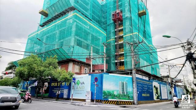 Dự án Newton Residences của Novaland tọa lạc trên đường Trương Quốc Dung, Tân Bình đang xây dựng đến tầng 14.