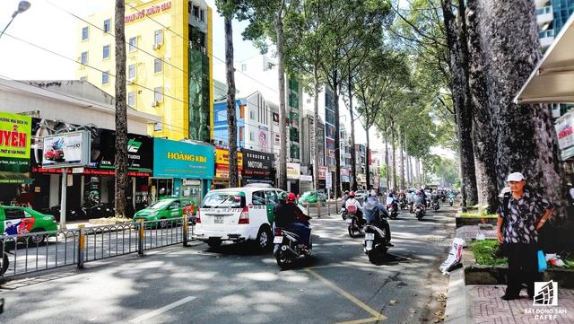Đường Nguyễn Thị Minh Khai đi qua quận 1, 3 và Bình Thạnh. Giá đất tại đây, theo chủ nhà đang sinh sống ở địa chỉ này, khoảng 70 triệu đồng/m2 do nằm ngay trung tâm thành phố