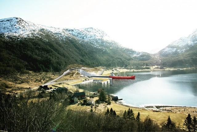 Nếu được thông qua, dự án đường hầm này sẽ phải được trình lên Quốc hội Na Uy để được cấp kinh phí. Việc xây dựng trên thực tế chỉ có thể diễn ra vào đầu năm 2019. Hiện tại, NCA đã làm việc với Snøhetta, công ty kiến trúc trụ sở tại Oslo, để phác thảo đường hầm dành cho tàu thủy đầu tiên trên thế giới.
