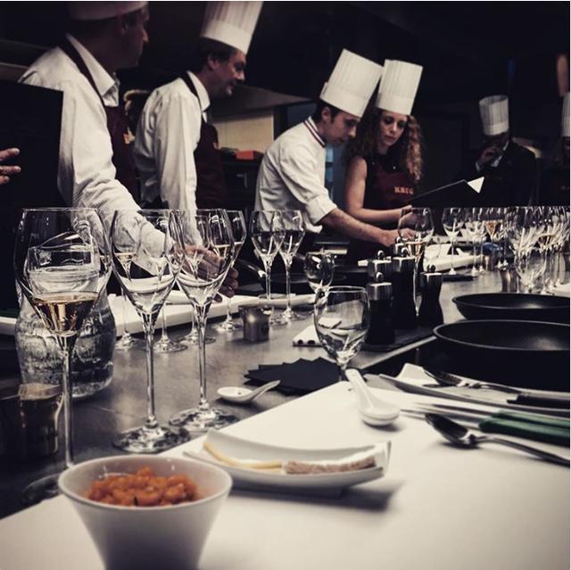 Bữa tối được phục vụ theo phong cách Thụy Sĩ truyền thống.