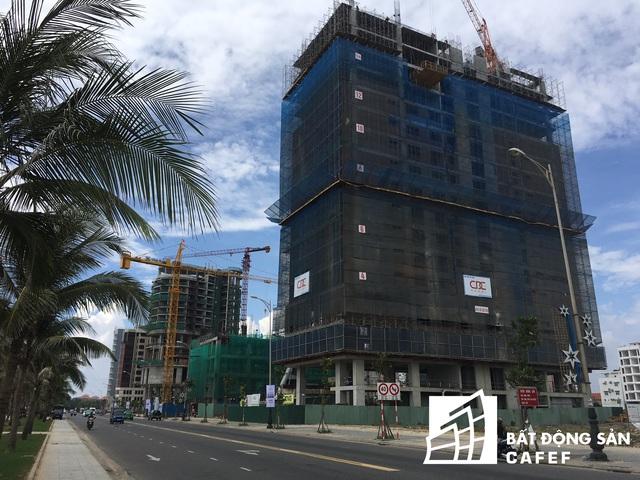 Hoạt động xây dựng khách sạn ở cung đường tỷ đô đang rầm rộ xây dựng thêm các khách sạn mới.