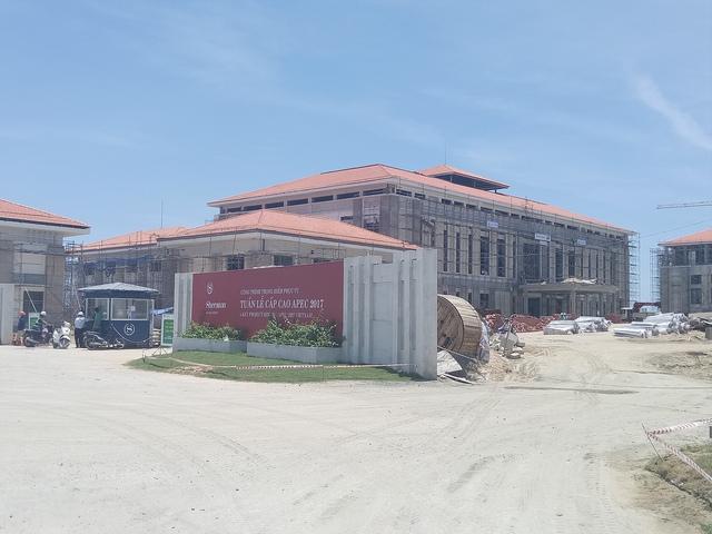Khu căn hộ cao tầng khách sạn và resort Sheraton Danang đang đẩy nhanh công đoạn kịp thời đưa vào vận hành trước khi khai mạc APEC 2017.