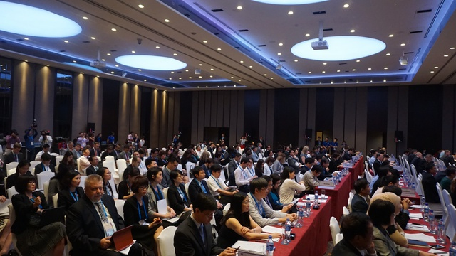 Các đại biểu dự Diễn đàn Phát triển Bao trùm về Kinh tế, Tài chính và Xã hội trong APEC. Ảnh: Linh Anh