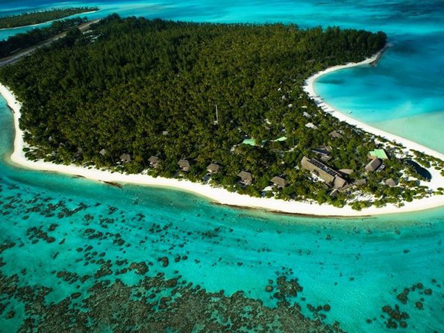 Vào giữa tháng 3, ông Obama đã bay tới The Brando, một khu nghỉ mát tại Tetiaroa thuộc một hòn đảo tư nhân ở French Polynesia.
