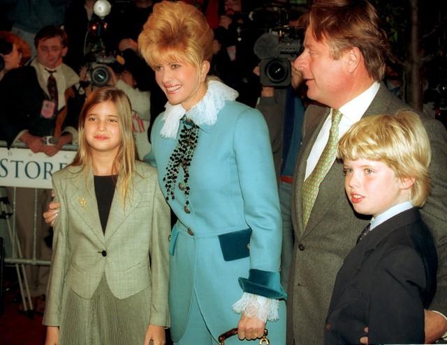 Ivanka sinh ngày 30/10/1981 tại Manhattan, Mỹ. Cô là con gái thứ 2 trong số 3 người con của Donal Trump và người vợ đầu tiên.