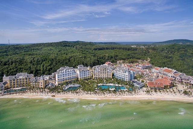 Khu nghỉ dưỡng , và khách sạn JW Marriott Phu Quoc Emerald Bay do Tập đoàn SunGroup đầu tư tại Phú Quốc mới đi vào hoạt động.