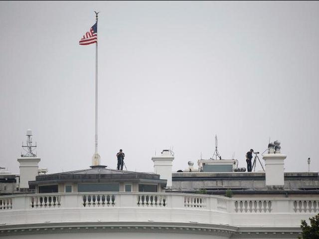 Ngay tại Nhà Trắng, lực lượng mật vụ cũng phải liên tục thực hiện các biện pháp đảm bảo an ninh.