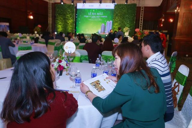 8h30 sáng ngày 12/3 đã có khá đông khách hàng tới dự sự kiện.