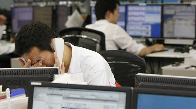 Làm việc quá nhiều đang là một vấn đề nổi cộm tại Nhật Bản. Ảnh: Reuters