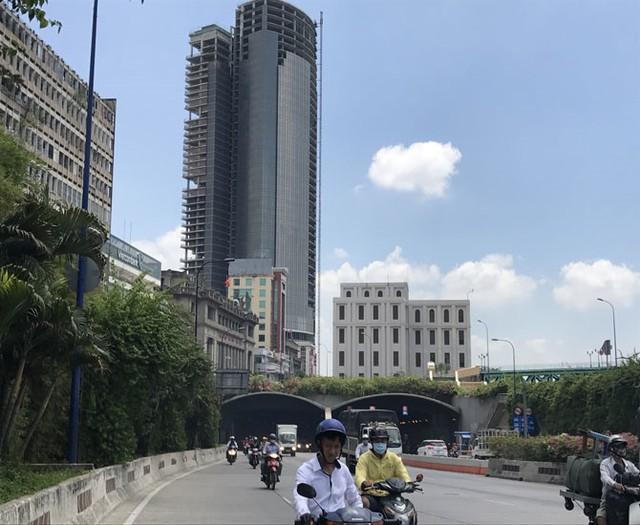 Dự án Saigon One Tower nhìn từ phía hầmThủ Thiêm.