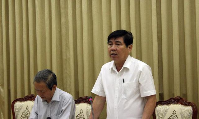 Ông Nguyễn Thành Phong phát biểu tại cuộc họp