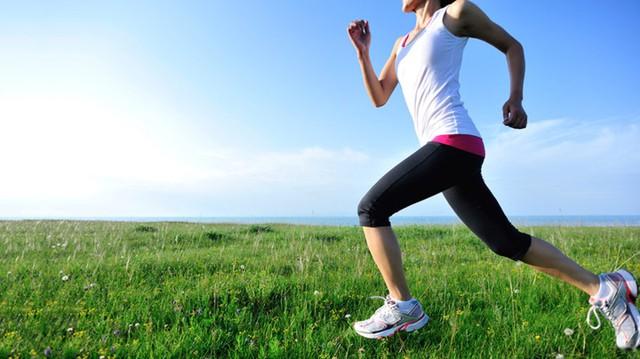 Tự chăm sóc bản thân: Ăn uống lành mạnh kết hợp tập thể dục, nghỉ ngơi điều độ sẽ giúp bạn duy trì trạng thái cân bằng giữa cơ thể và cảm xúc.