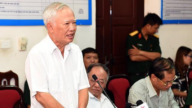 Nguyên Phó Thủ tướng Vũ Khoan chia sẻ về nhiệm vụ làm kinh tế trong quân đội. Ảnh: Trọng Hải