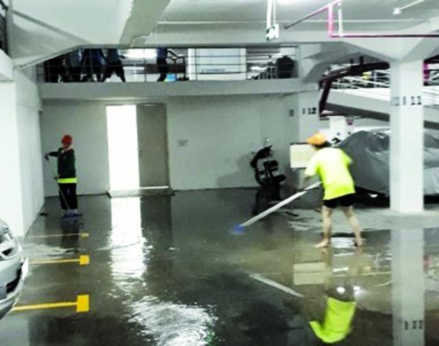 Tầng hầm của dự án không ngừng nghỉ bị ngập nước mỗi khi trời mưa lớn.
