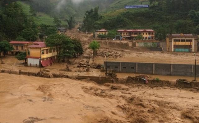 Lũ quét kinh hoàng ở Yên Bái khiến 14 người chết và mất tích.
