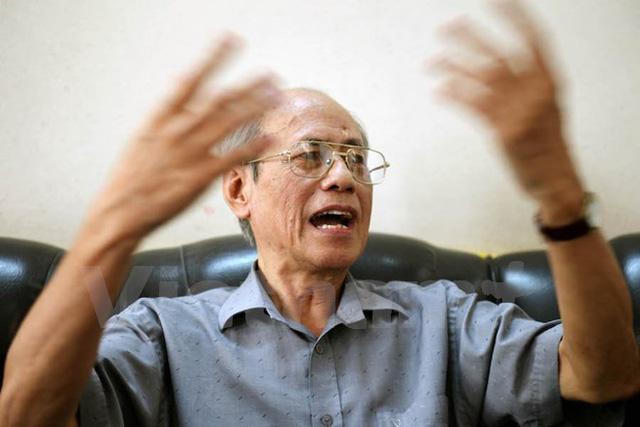 Chuyên gia kinh tế Lưu Bích Hồ. (Ảnh: Doãn Đức/Vietnam+)