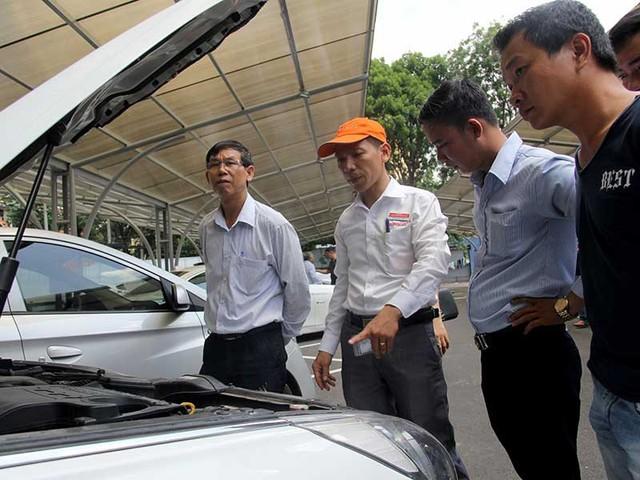 Thuế nhập khẩu xe bốn bánh đã qua sử dụng (xe bốn bánh cũ) chuẩn bị tăng cao, đẩy giá xe cũ lên cao. Ảnh: HOÀNG GIANG