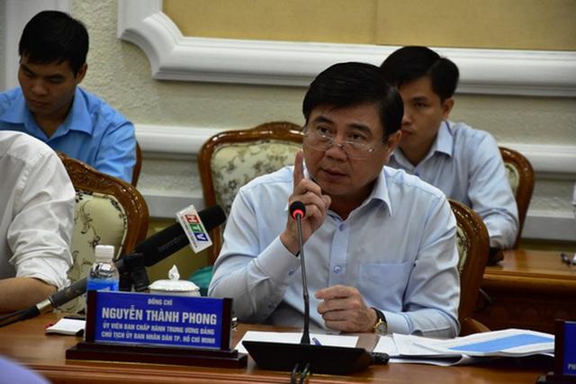 Chủ tịch UBND TP HCM Nguyễn Thành Phong phát biểu ở cuộc họp ngày 5-9