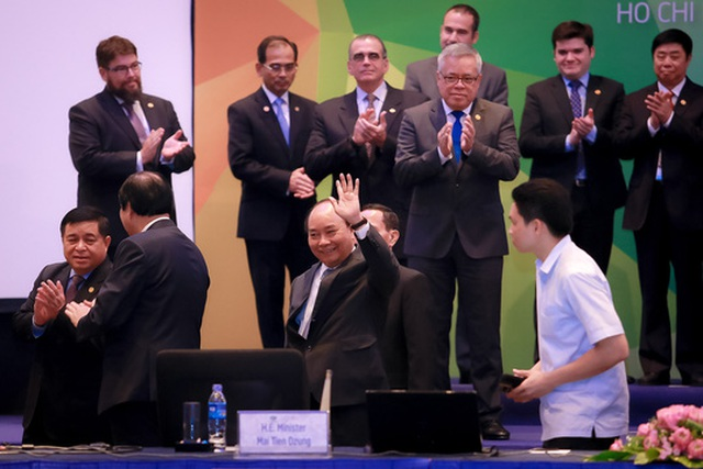 Thủ tướng Nguyễn Xuân Phúc dự và phát biểu ở Hội nghị Bộ trưởng doanh nghiệp nhỏ và vừa lần thứ 24 trong khuôn khổ APEC 2017