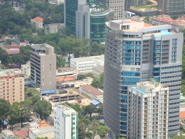 Nhà cao tầng dày đặc ở khu vực trọng điểm.
