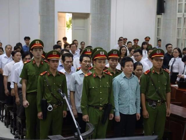 Các bị cáo nghe tuyên án ngày 29-9